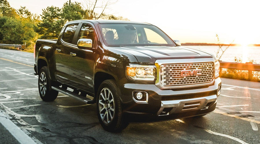 Lease a 2018 GMC Canyon in Georgetown Ontario from Georgetown GMC